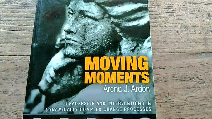 Moving moments kaft